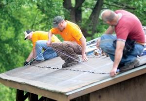 Meadville_PA_volunteers_at_rec_area