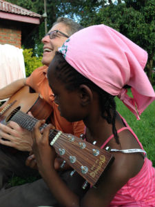 Spread_the_Word_Guitar_Africa_FORWEB