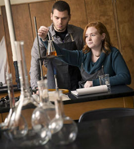 WarnerPacific_Science-classroom-2014_FORWEB