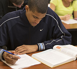 Warner_pacific-Student-studying-2014a