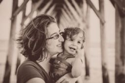 Aaron_Holman_wife_and_daughter_FORWEB