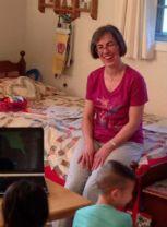 Keri_Mitchell_teaching_children_FORWEB