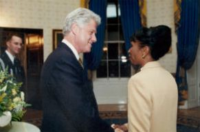 Clinton_and_CherylSanders2000_crop_FORWEB