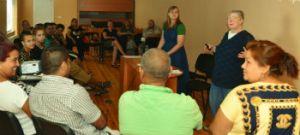 Kathy_Simpson_teaches_marriageseminar_FORWEB