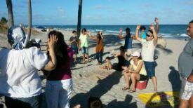 RamonRivera_church_worship_beach_FORWEB
