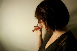 Woman_addict_stockphoto_FORWEB