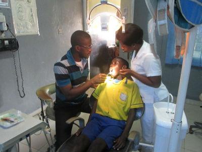 Dentist-pic-ghana2016+_FORWEB