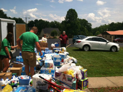 Loading_donations_TeaysValley_FORWEB