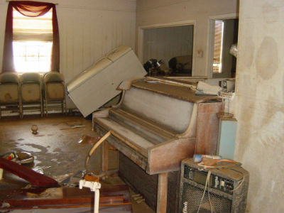 Louisiana_flood_Chapelwoodpiano_Aug2016_FORWEB