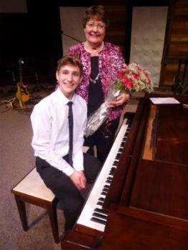 linda_and_student_recital_forweb