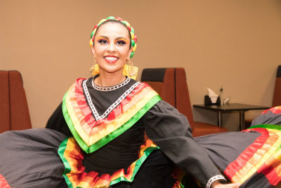 macu_cultural_celebration2016_culturalgarb_forweb