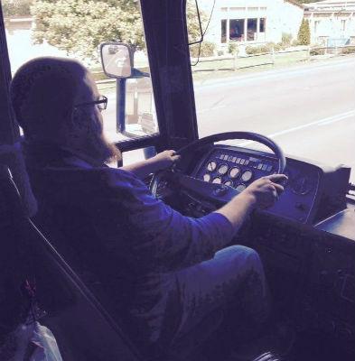 lightrider_bus_jonathan_forweb