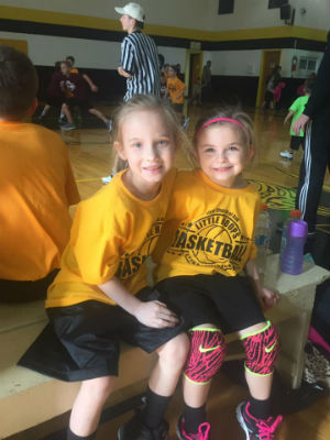 little_hoops_girls_seated_doniphanmo_forweb